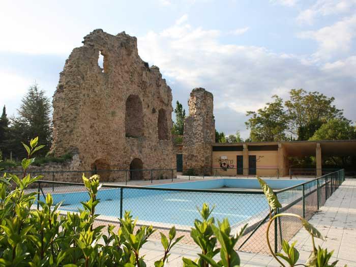 Parque de el castillo for Piscinas soria